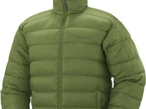 グリーンのダウンジャケット