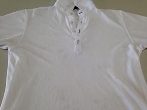 手洗いしたポロシャツ